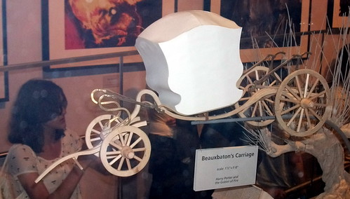 Beauxbatons carriage white card model | by kthdsn