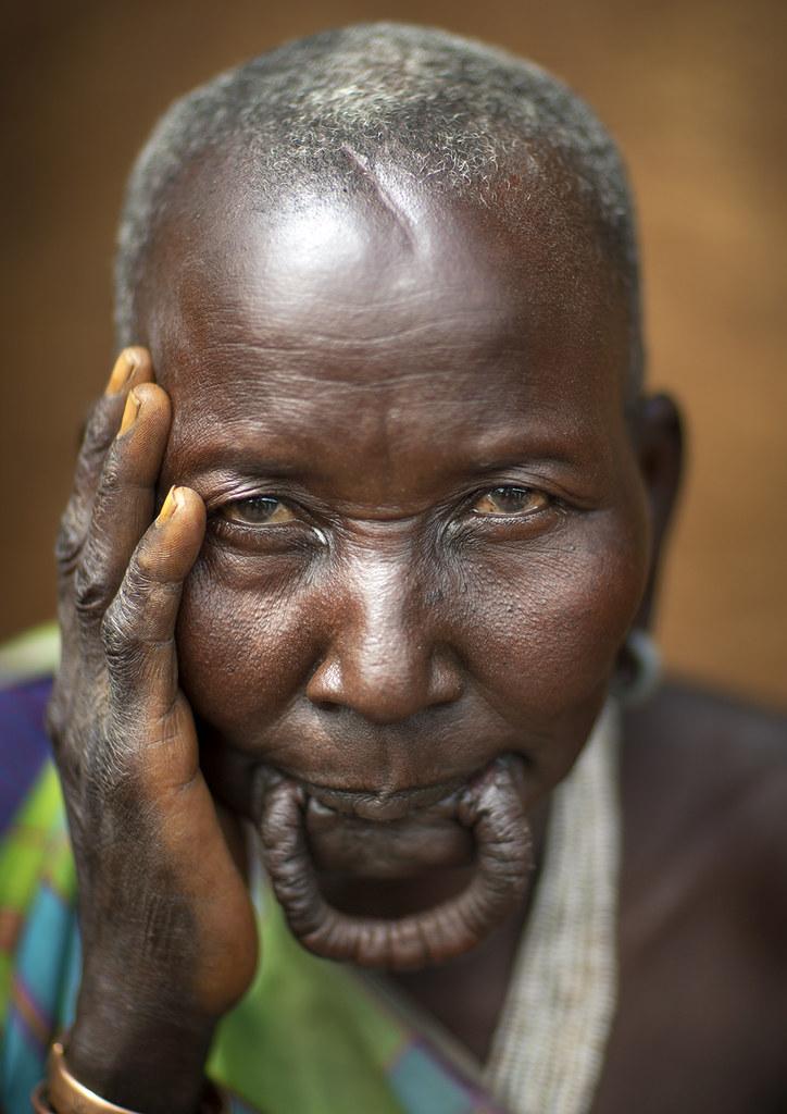 Old Suri woman in Kibish, Ethiopia   Surma or Suri are ...