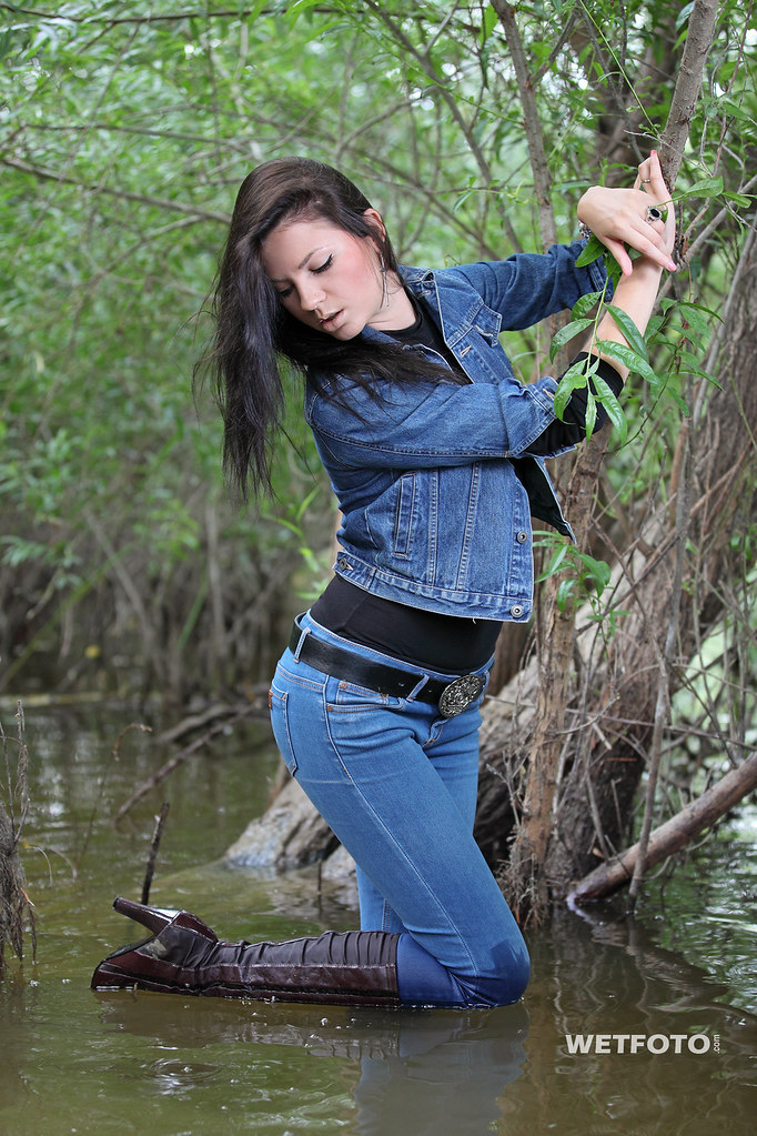 Wetlook In Jacket And Skinny Blue Jeans 267 Sexy