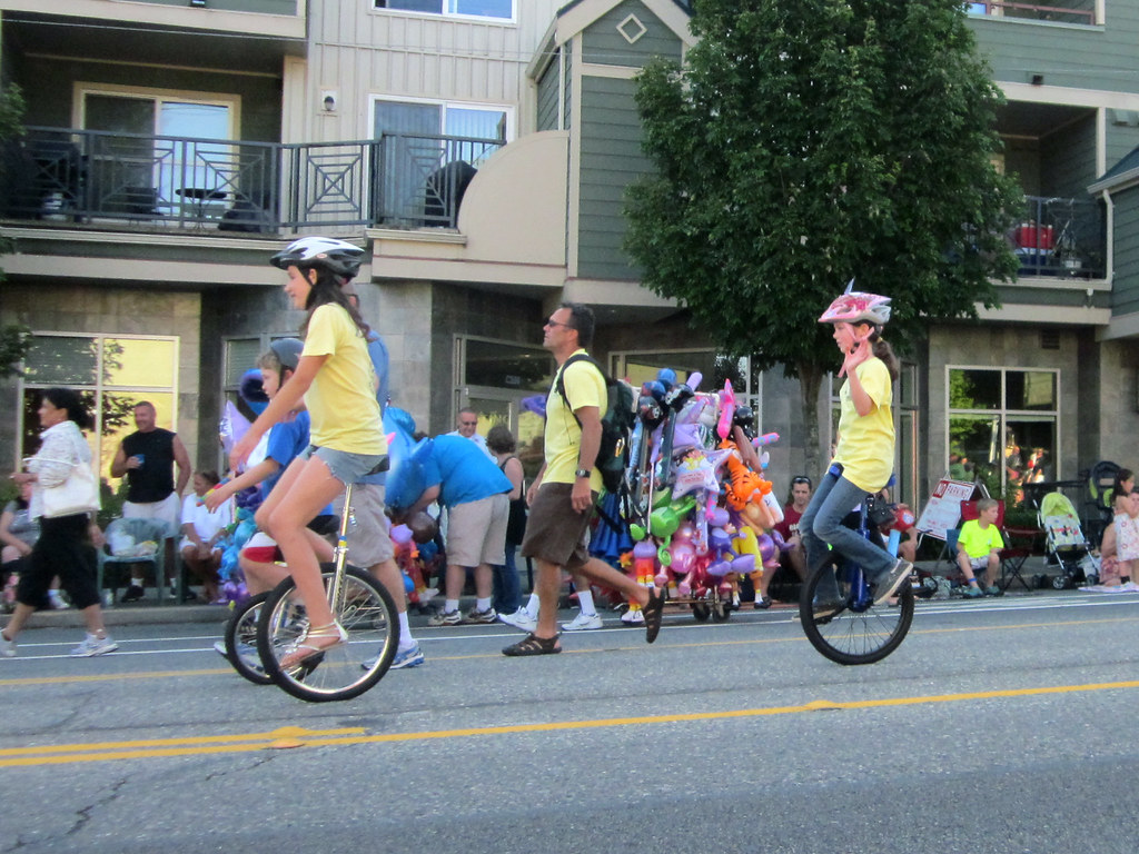 Whittier Elementary Unicyclists Greenwood Seafair Parade