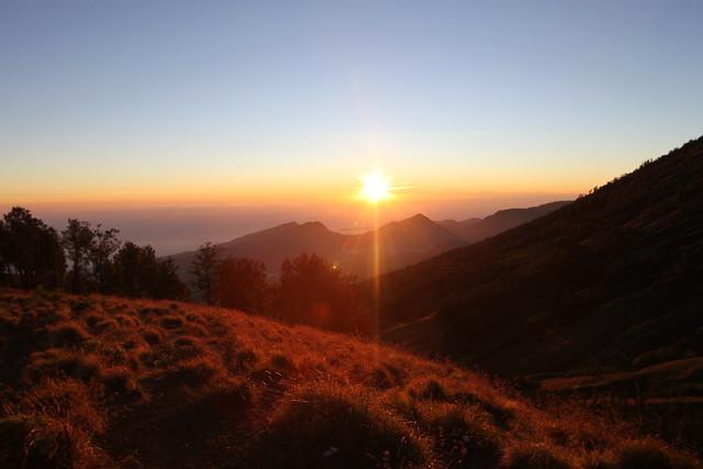 Sunrise on Gunung Rinjani | en.wikipedia.org/wiki/Mount ...