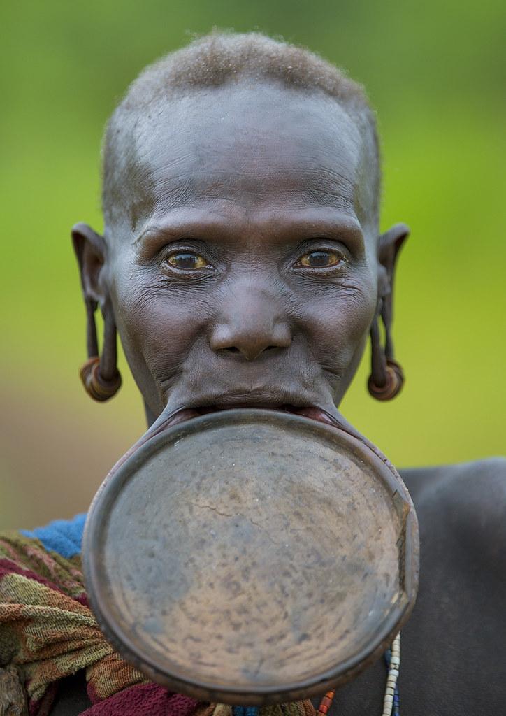 Portrait Of A Suri Old Woman With Big Lip Plate, Kibish,Om -9808