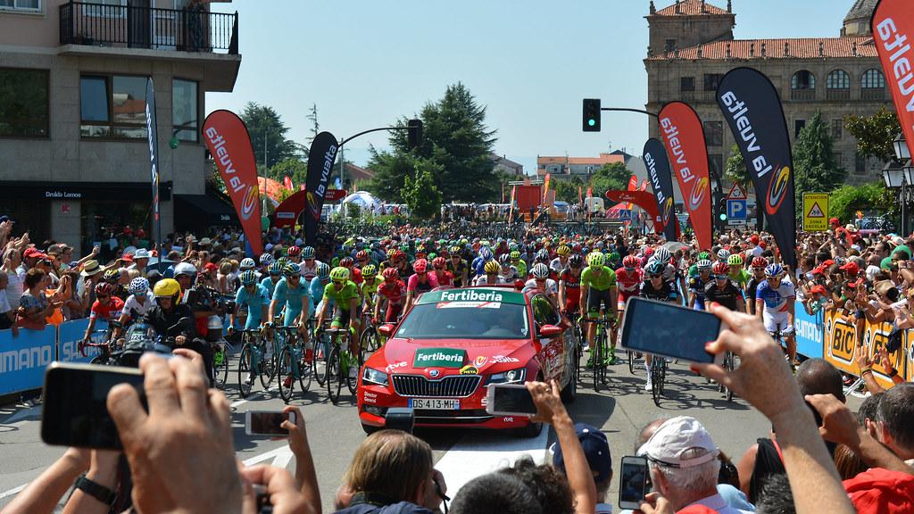 Vuelta a España 2016 6ª Etapa Monforte de Lemos - Luintra. Ribeira Sacra 28984916360_c8f2273796_b