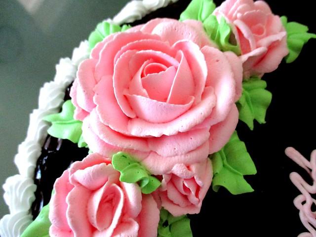 Marcus' cake - icing 1