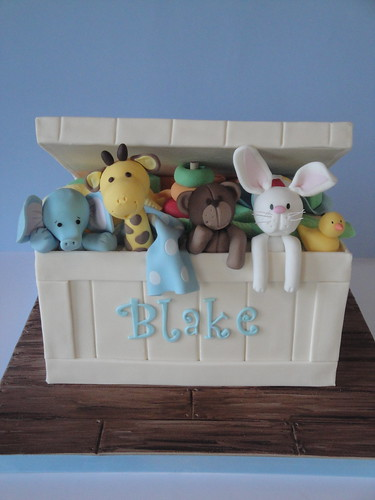 How To Make A Toy Chest Cake