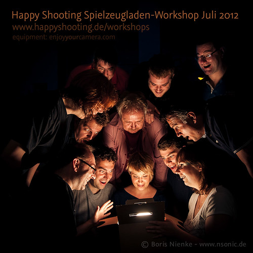 Gruppenfoto Happy Shooting Spielzeugladen-Workshop Juli 2012 | by nSonic