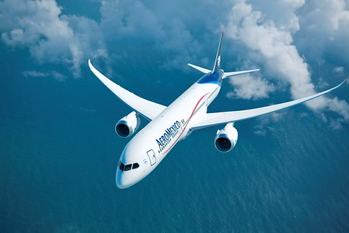 Boeing, Aeroméxico Announce Commitment for 100 Airplanes | by The Boeing Company