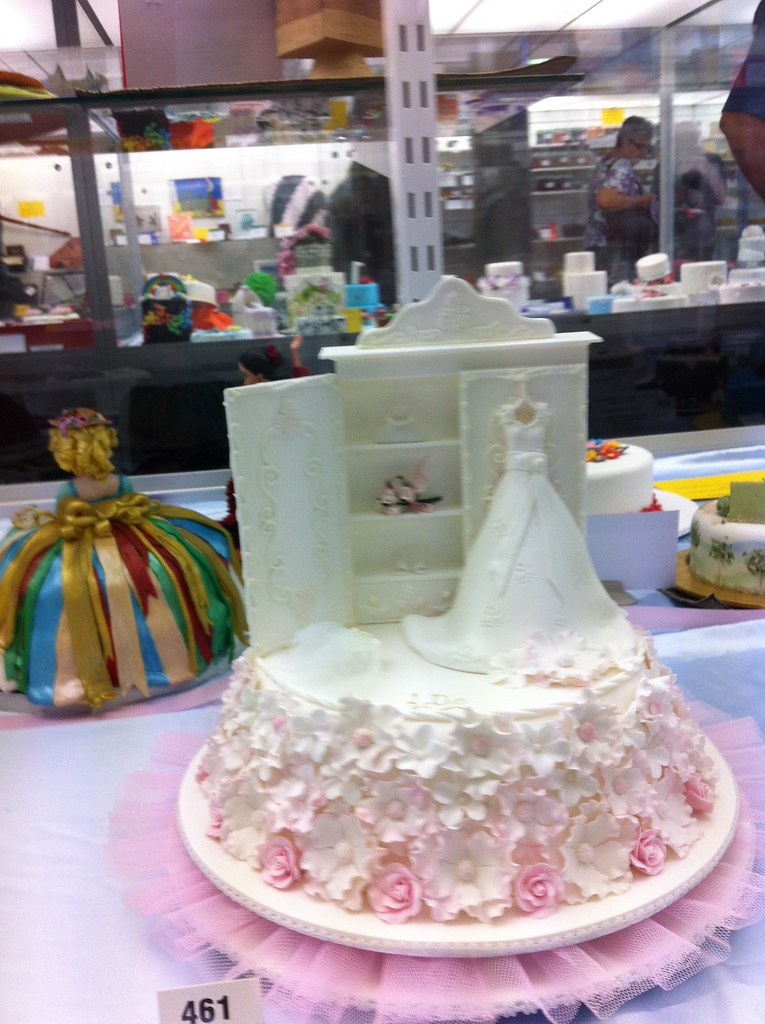 Cake Decorating Competition Guidelines : Queensland Cake Decorating competition display at Brisbane ...