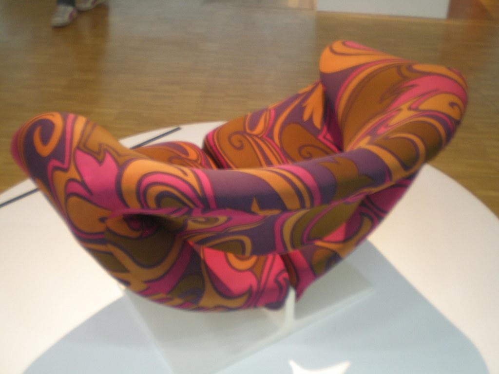 pierre paulin 39 fauteuil ribbon chair 582 39 pierre paulin. Black Bedroom Furniture Sets. Home Design Ideas