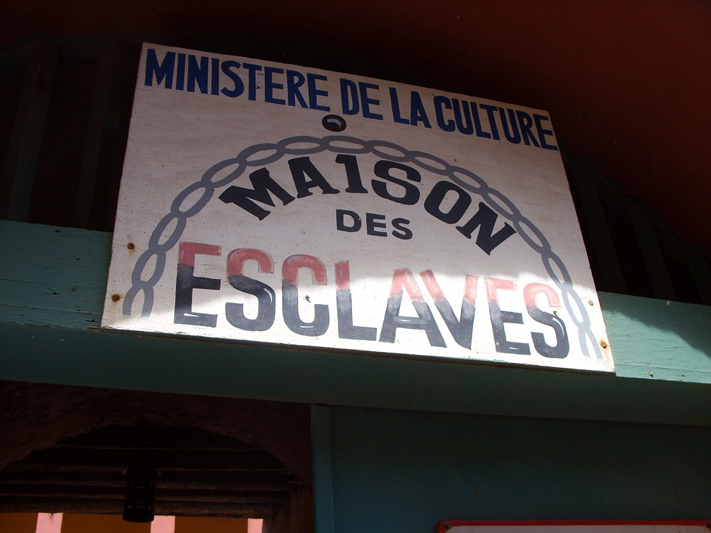 Entrance to maison des esclaves maison des esclaves for What does maison mean in english