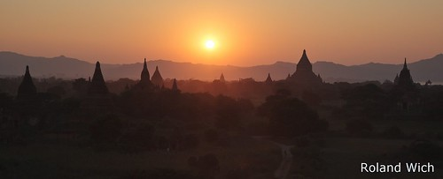 Bagan - Sunset from Shwesandaw | by Rolandito.