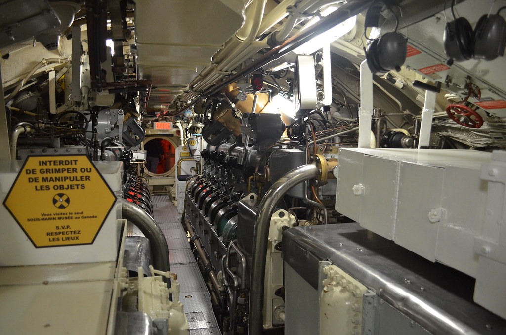 moteur diesel sous marin militaire au diesel l 39 onondaga antoine kister flickr. Black Bedroom Furniture Sets. Home Design Ideas