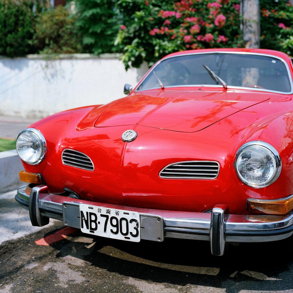 Volkswagen vintage sports car | Karmann Ghia | mojocoffee | Flickr