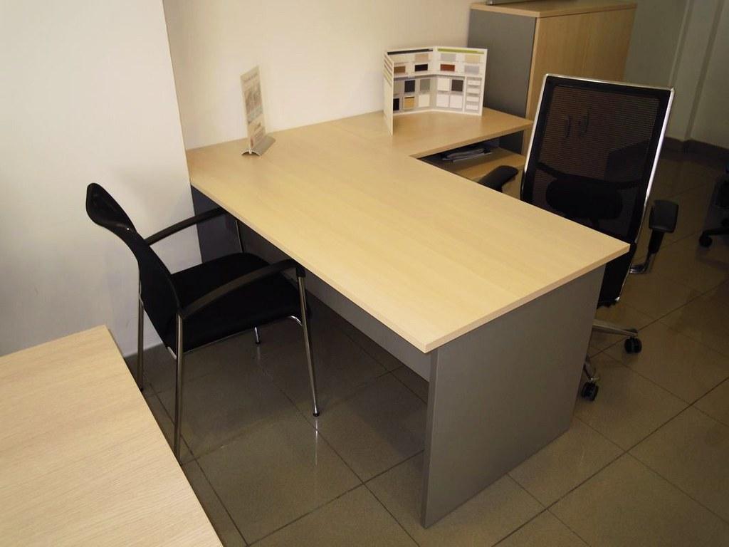 Exposicion muebles oficina barcelona muebles oficina barce flickr - Oficina empleo barcelona ...
