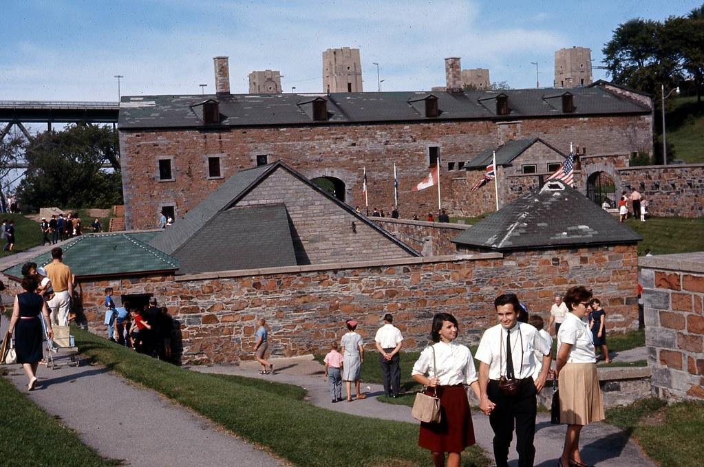 Fort de l'île Sainte-Hélène [Musée Stewart], juin 1966, VM94-AD35-003