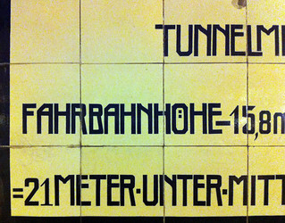 Elbtunnel 02a | by TypeOff