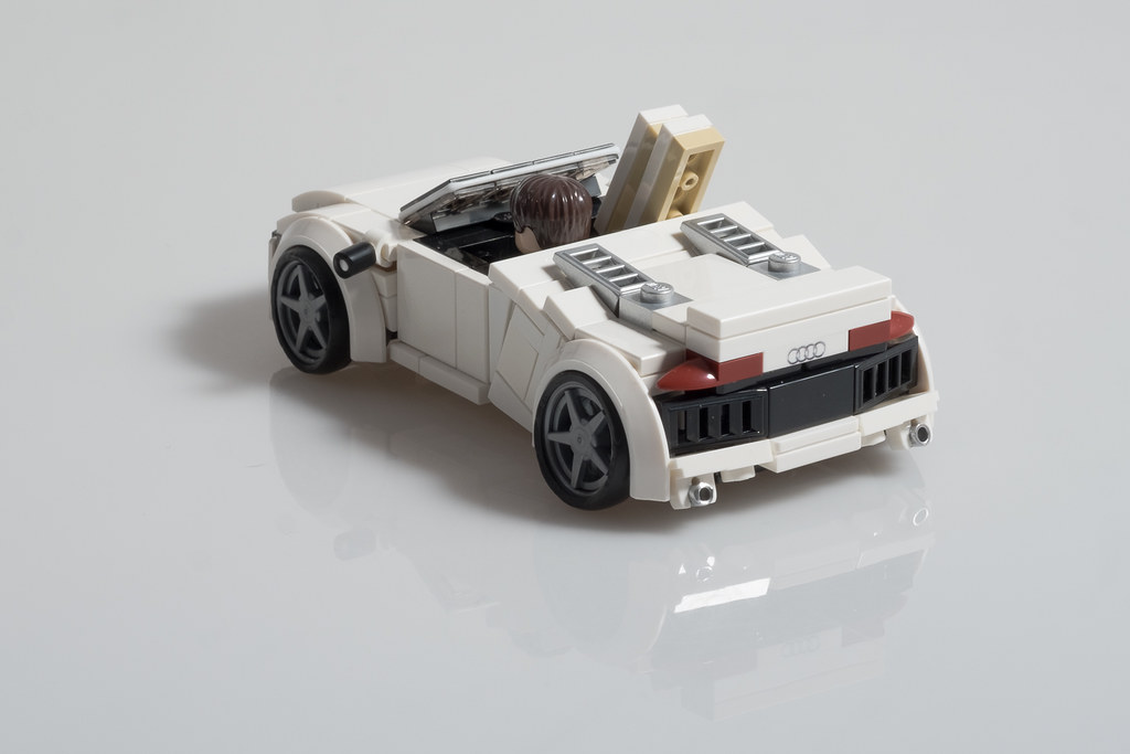 tony stark 39 s audi r8 spyder from iron man 2 here is. Black Bedroom Furniture Sets. Home Design Ideas