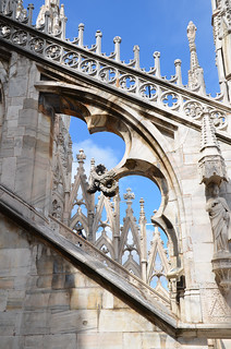 Buttress against the bright blue sky - Duomo, Milan | by Monceau