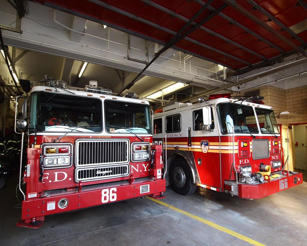 E166 Fdny Firehouse Engine 166 Amp Ladder 86 Graniteville