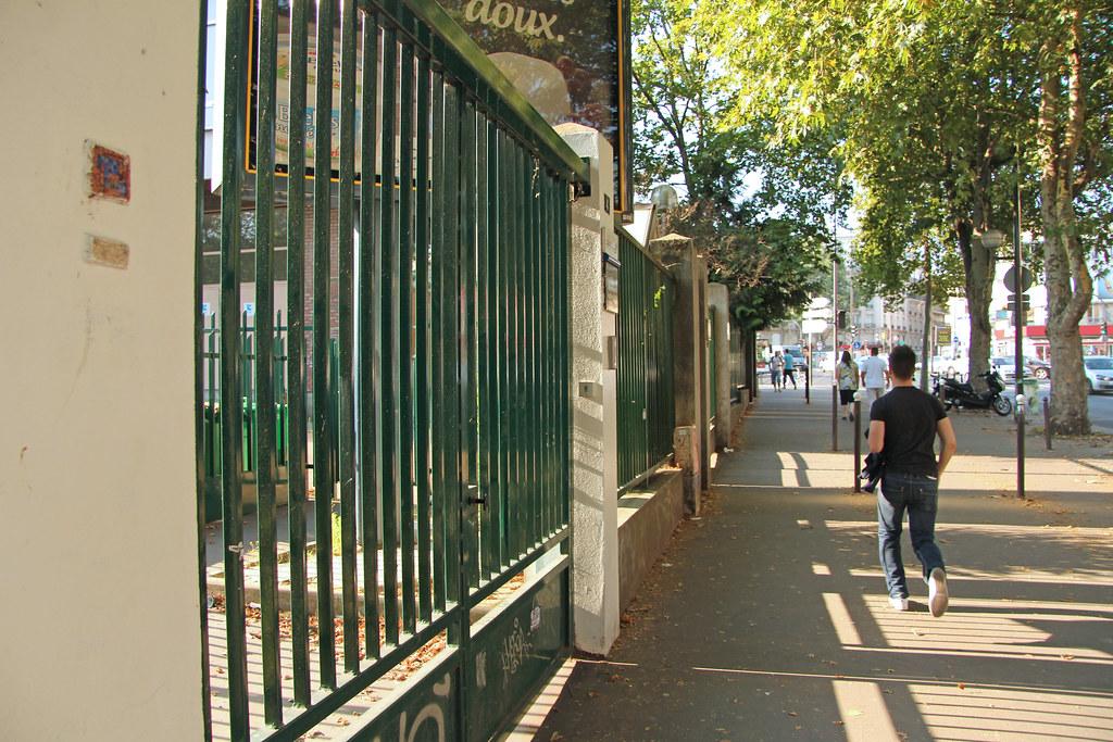 Avenue de la porte de clignancourt paris france flickr - 30 avenue de la porte de clignancourt ...