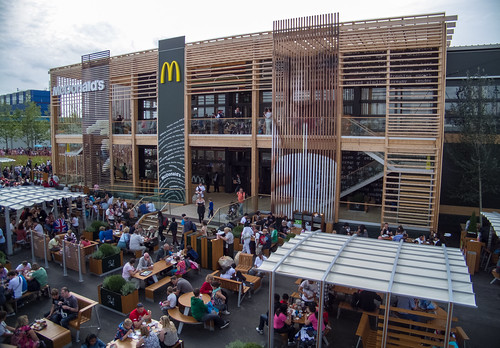 World's Biggest McDonald's | by simononly