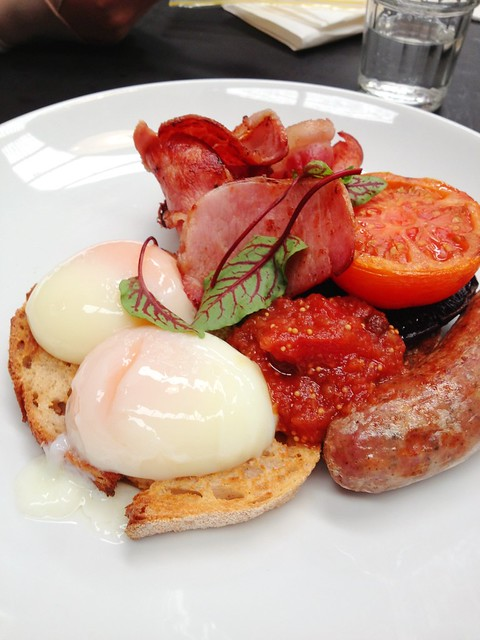 eggs, tomato, bacon, mushroom, cumberland sausage, sourdough, chutney ...