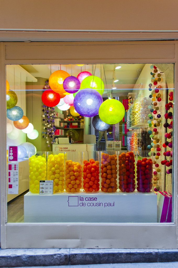 La case de cousin paul coloured light shop in nice old - La case du cousin paul soldes ...