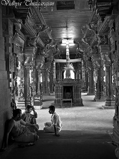 Conversations in a Temple, Tamilnadu India | by TVidhya