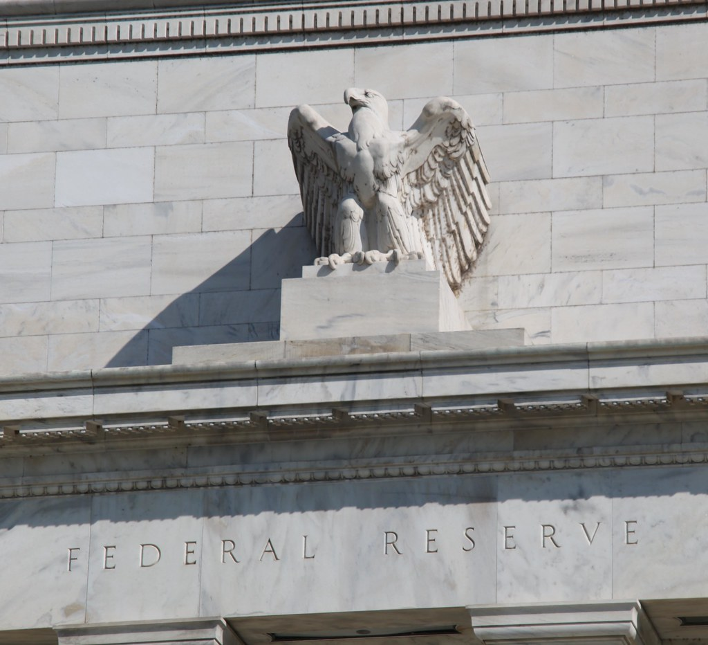 Federal Reserve Building Eagle 2012 09 13 Looking