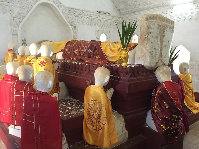 Escultura de Buda muerto en Kakku (Myanmar)