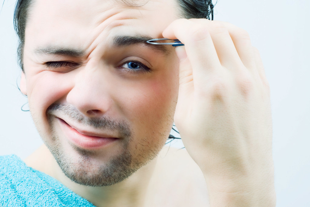 How to pluck eyebrows for men