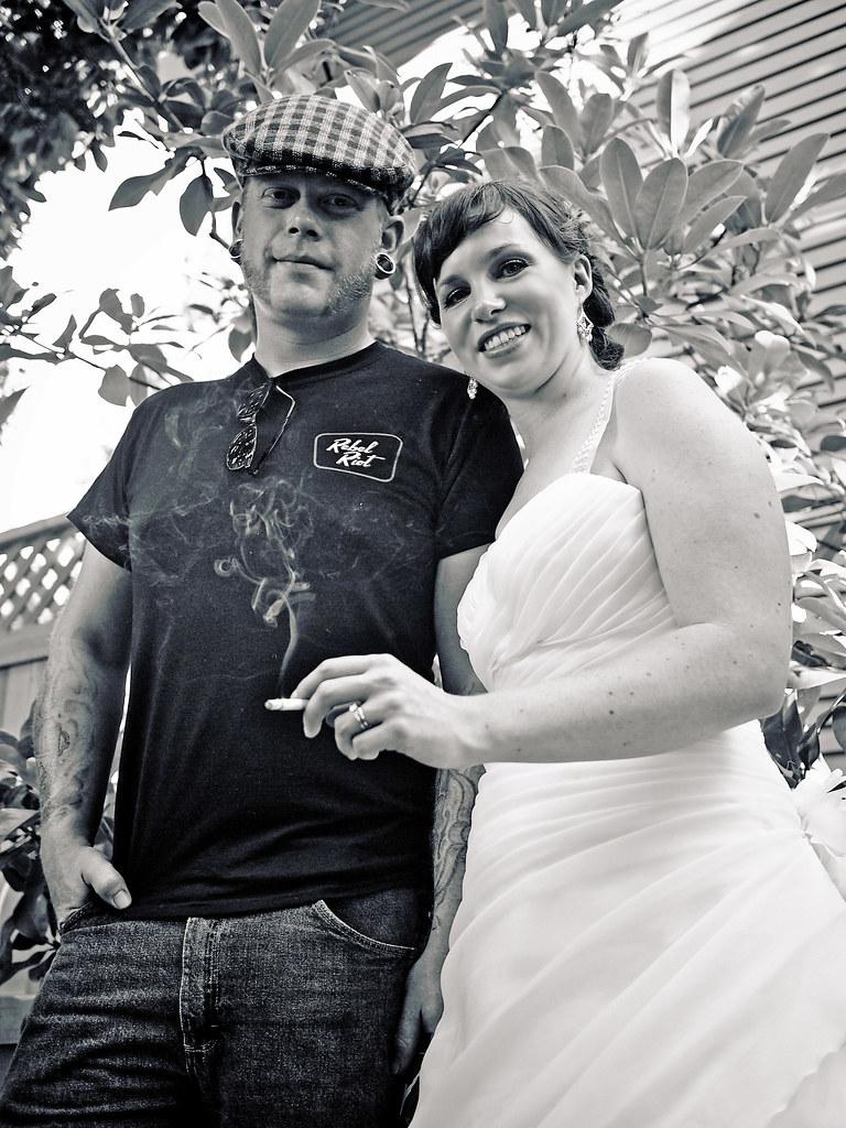 Bridal smoke break