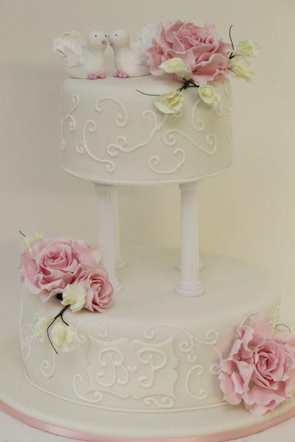V Klassische Hochzeitstorte Mit Rosa Rosen Tauben Eine Gro Flickr
