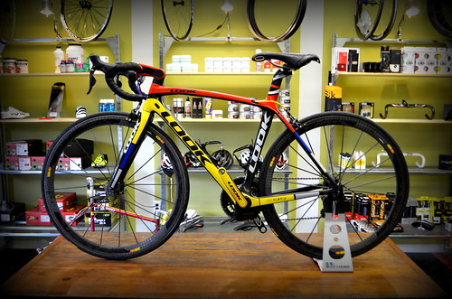 Look 695 with Ultegra Di2 | by Glory Cycles