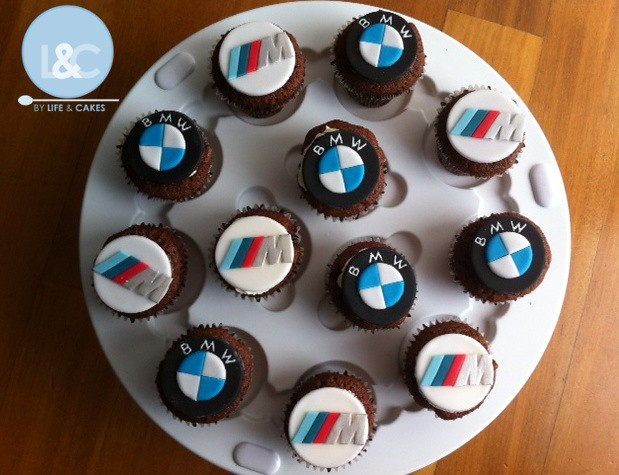 Bmw M3 Cupcakes His Beloved Sports Car Logo To Eat