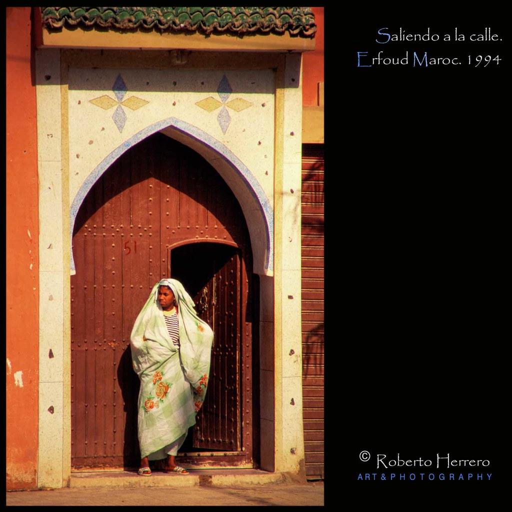 Saliendo a la puerta erfoud maroc marzo 1994 erfoud - Roberto herrero ...