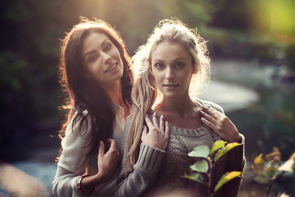Two Sisters Stock Photos, Royalty-Free Images & Vectors - Shutterstock