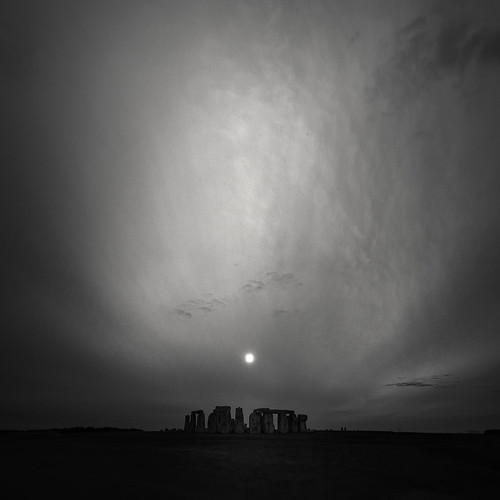 π Stonehenge, Autumn Equinox | by Andrew J Lee