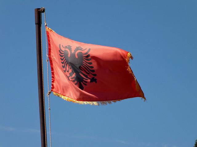 L'écrivain Ismail Kadaré réclame l'accès au dossier qu'avait établie la police albanaise sur lui