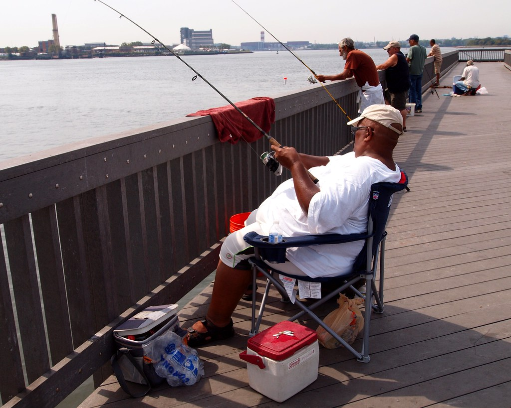Tiffany street fishing pier barretto point park bronx n for Fishing in new york city