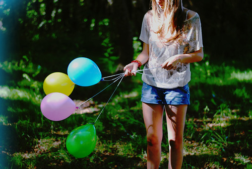 I wish I could float like balloons do | by Sheila con hache