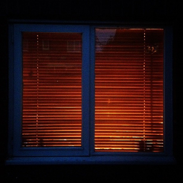 ... blinds. #windows #blind #light #iphonography | Flickr - Photo Sharing: https://flickr.com/photos/cloppy/7915902424