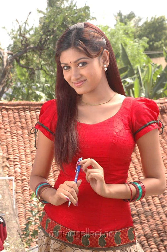 Oviya Hot Pics In Pavadai Chattai From Kalakalappu  Flickr-1894
