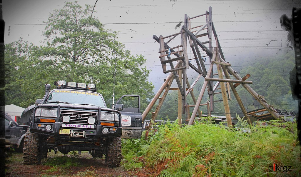 Off Road Pic >> Land Cruiser VX80 | TROFF - Trabzon Off Road Club www.facebo… | Flickr