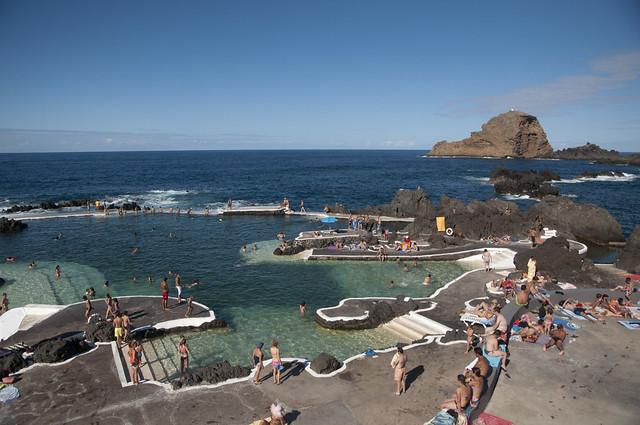 Piscinas naturales en porto moniz flickr photo sharing for Portugal piscinas naturales