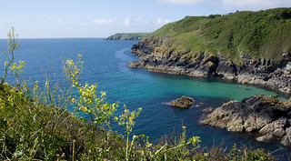 Cadgwith Cove, on Cornwall's Lizard peninsular | by Ian-S