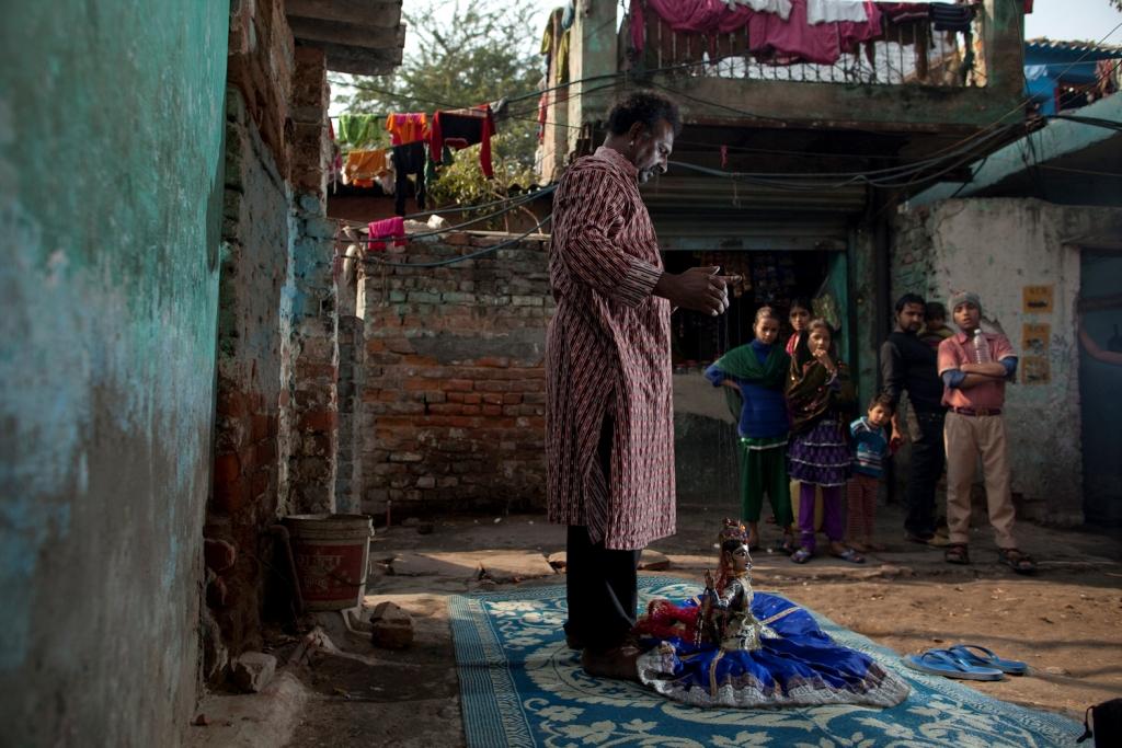 擁有豐富文化傳統與技藝的玩偶村(圖片來源:土地正義:消逝的玩偶村劇照,天馬行空)