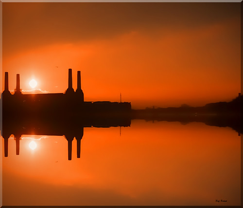 Battersea Power Station, Sunset fog | by Reg Wilson ( catching up)