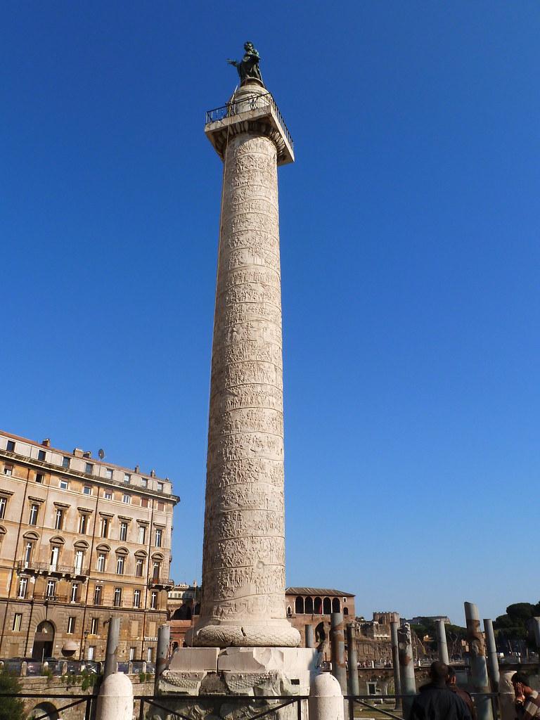 Colonna traiana roma trajan 39 s column colonne trajane for Interno 5 b b roma