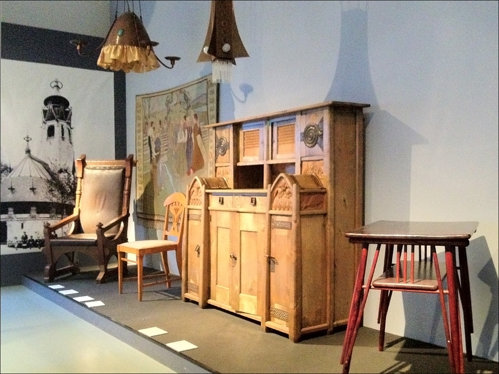 mobilier art nouveau finlandais mus e du design helsinki. Black Bedroom Furniture Sets. Home Design Ideas